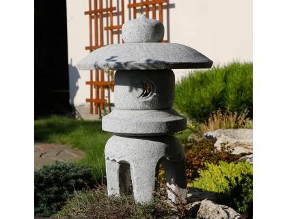 Японский фонарь из гранита Мару Юкими